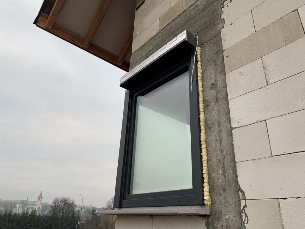 okna-veka-softline-82-antracytowe